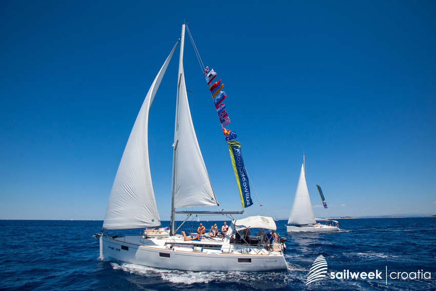 Sail and blend wth sea, wind and nature