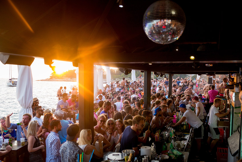 Parting at the best seaside clubs