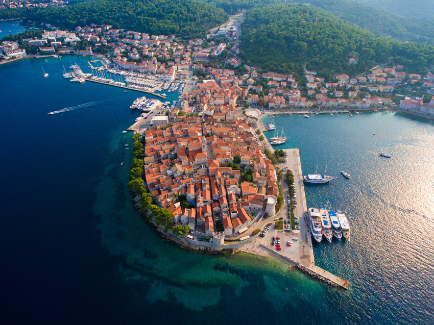 Island hopping, stop with yacht and explore Korcula